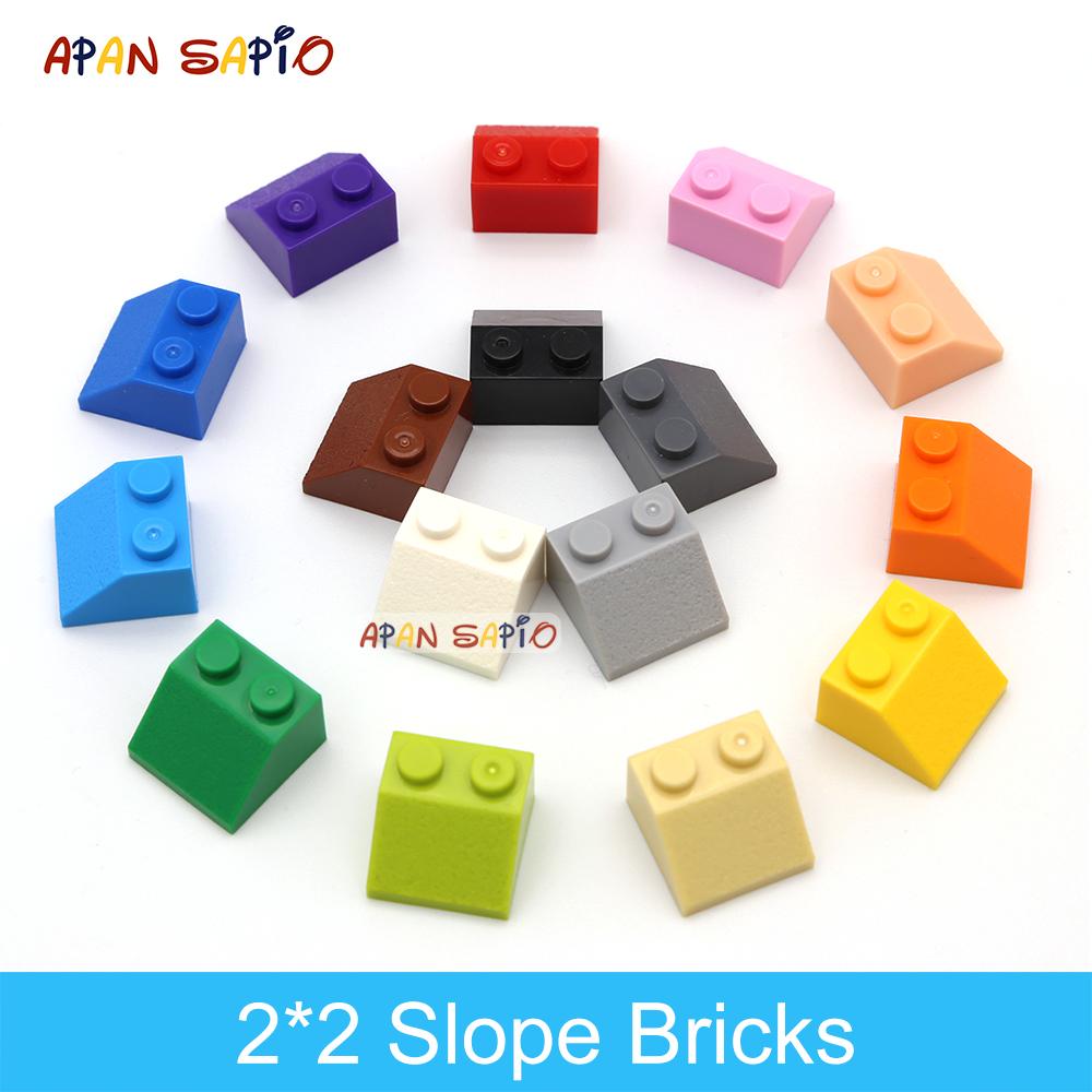 70pcs DIY Building Blocks Thick Figure Bricks Slope 2x2 Educational Creative Size Compatible With Plastic Toys for Children