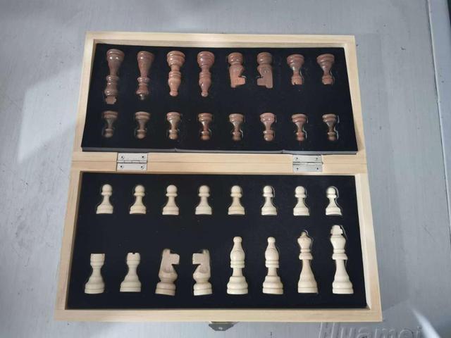 Jeu d'échecs magnétique pliable en bois massif pour débutants 29cm x 29cm 6