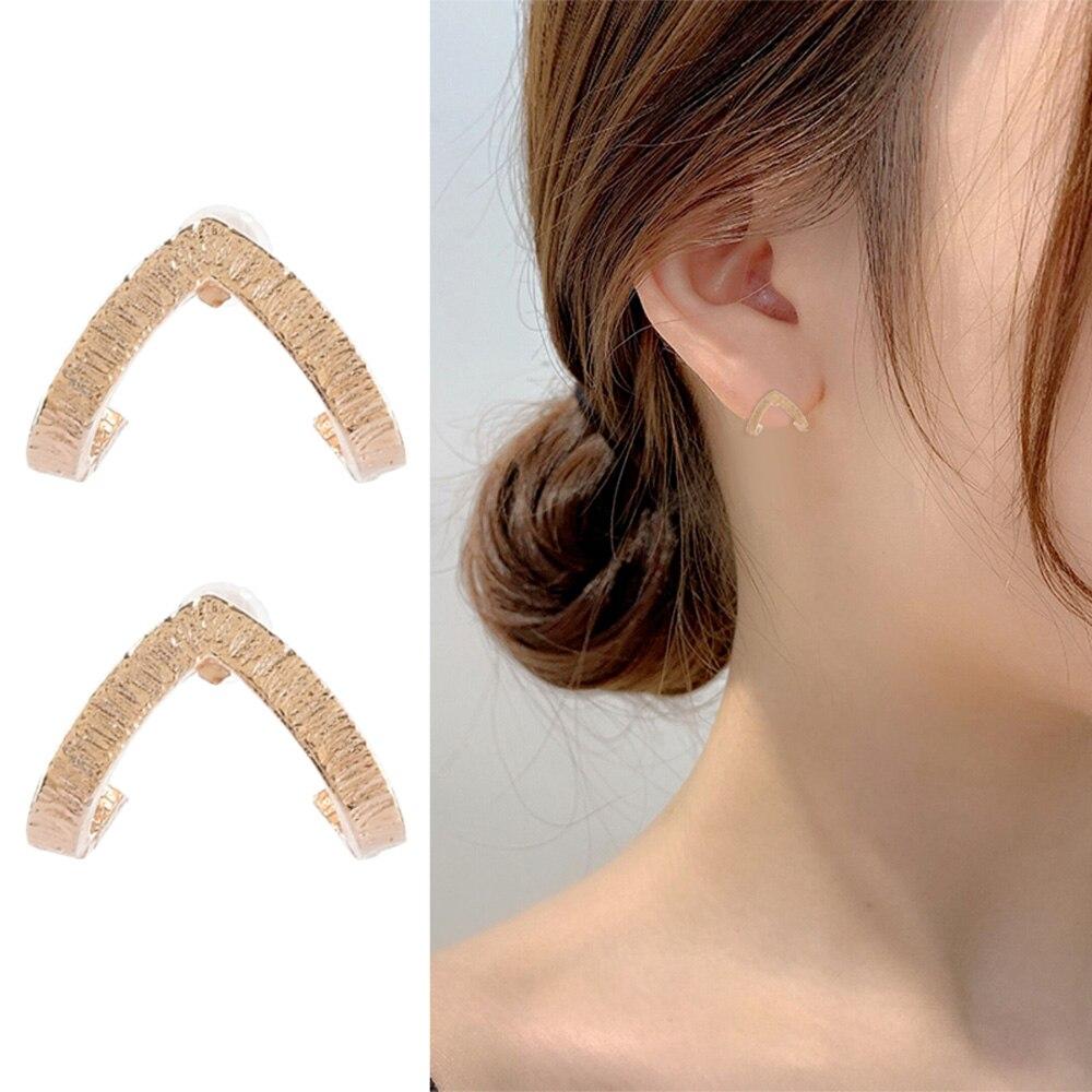 2019 neue Ankunft 1 Paar Frauen Männer Erklärung Gold Dreieck Geometrische Metall Ohr Stud Ohrringe Einfache V Stil Ohr Ohrringe