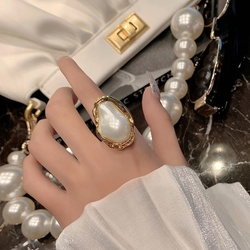 AENSOA Vintage Pearl Rings for Elegant Women Creative Geometric Exquisite Pearl Couple Rings Party Accessories 2021 Jewelry Gift
