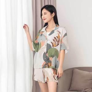 Image 4 - レディースショーツパジャマセット夏最新葉印刷半袖とショーツパジャマカーディガンラペル女性ショーツパジャマ