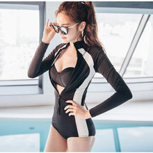 2020 Hot Sexy Vrouwen Zwemmen Pak Dames Turtle Neck Jumpsuits Bodysuit Lange Mouw Uitslag Bewakers Crop Top + Shorts Set kleding D704(China)