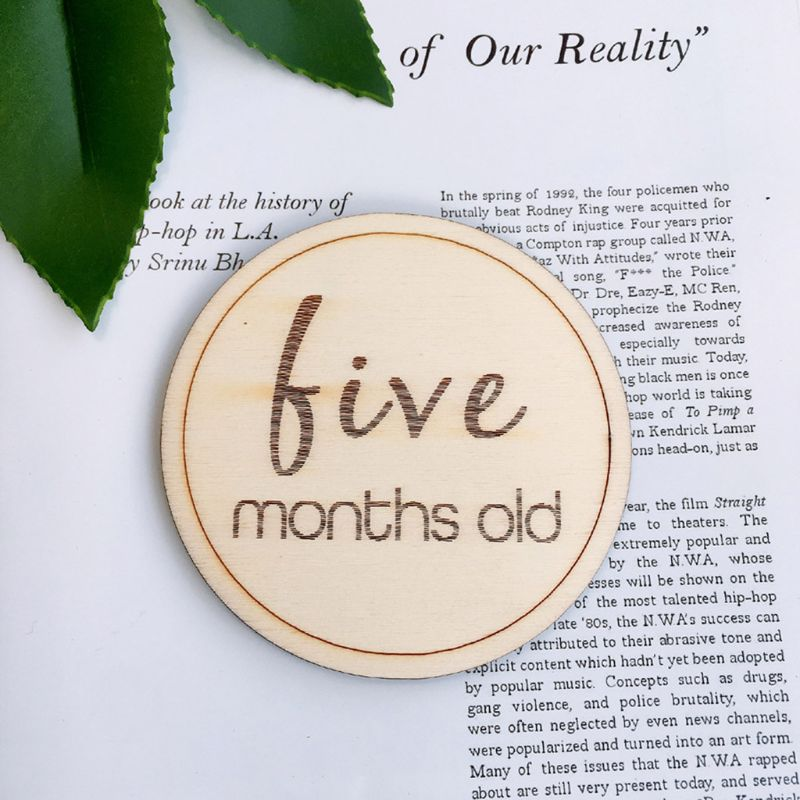 12 Pcs/set Baby Monthly Milestone Wooden Card Infants Photography Props Kids Newborn Shower Gifts A2UB