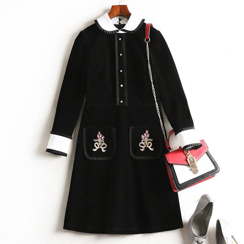 Mode femmes robe d'hiver fleurs noires brodées poche revers noeud robe lâche grande taille robe élégante hiver robe 1901