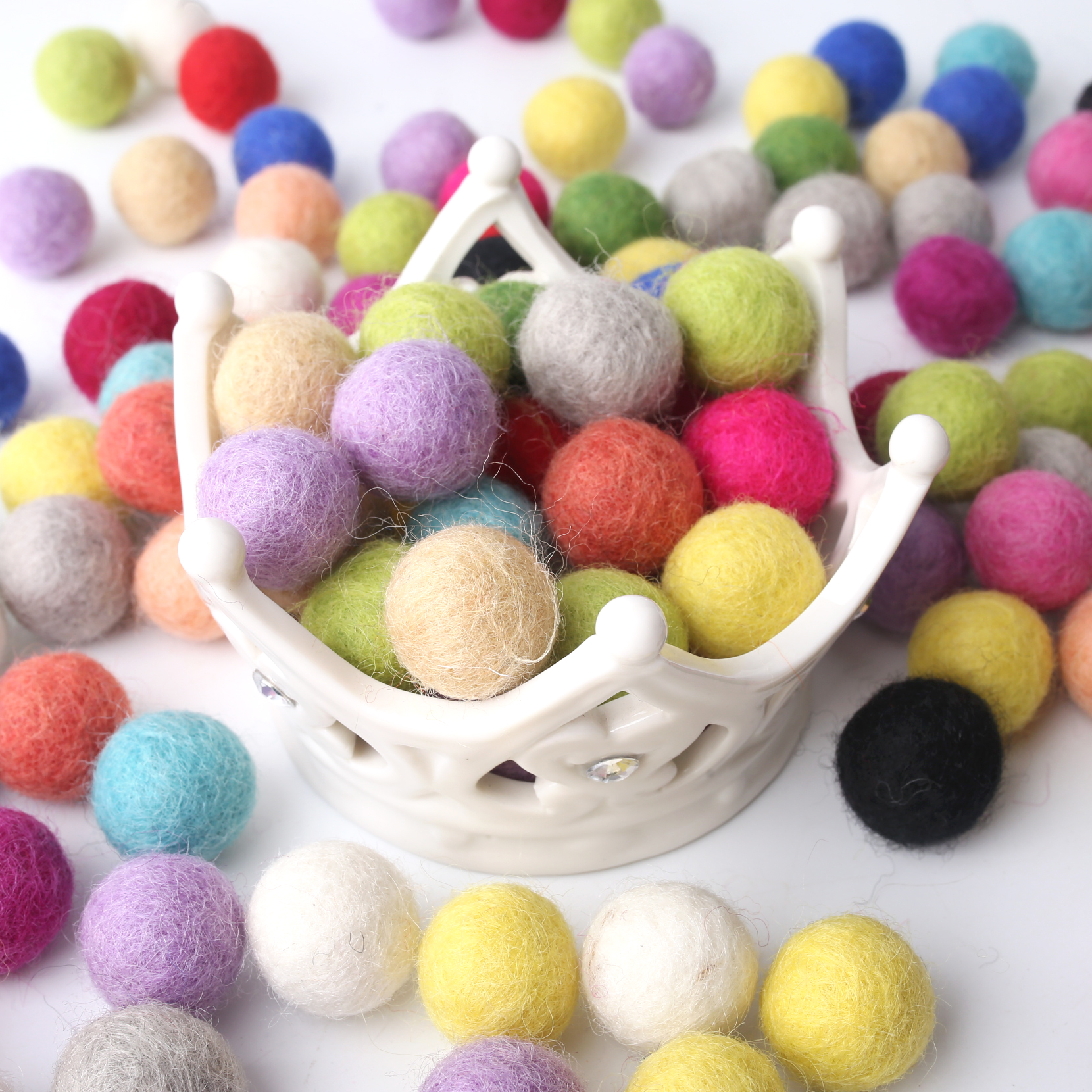 200pc 20mm Wool Felt Ball Round Wool Pom Poms Christmas Gift  Room Party Decoration Home Decor Children'S Goods Toys Nurse Gifts