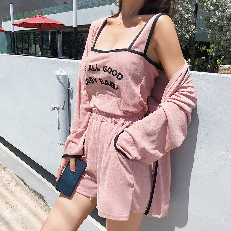 [Dowisi] 2018 Korean-style Knitted Cardigan Coat Printed Lettered Suspender Shorts Three-piece Set F6465