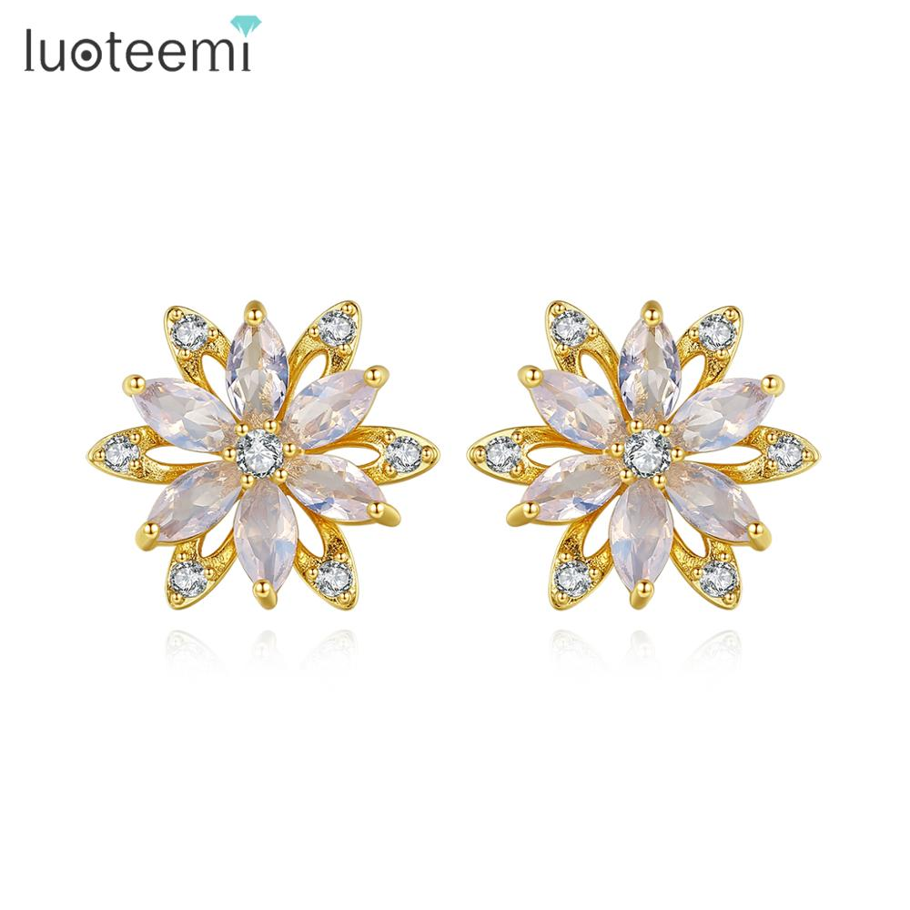 LUOTEEMI Cute Flower Stud Earrings For Women Wedding Engagement Fashion Jewelry Snowflake Brincos Bijoux Femme Christmas Gifts