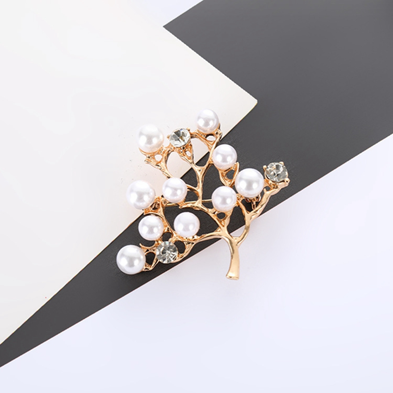 Cute generous foliage pearl clothes brooch ladies rhinestone pin jewelry accessories