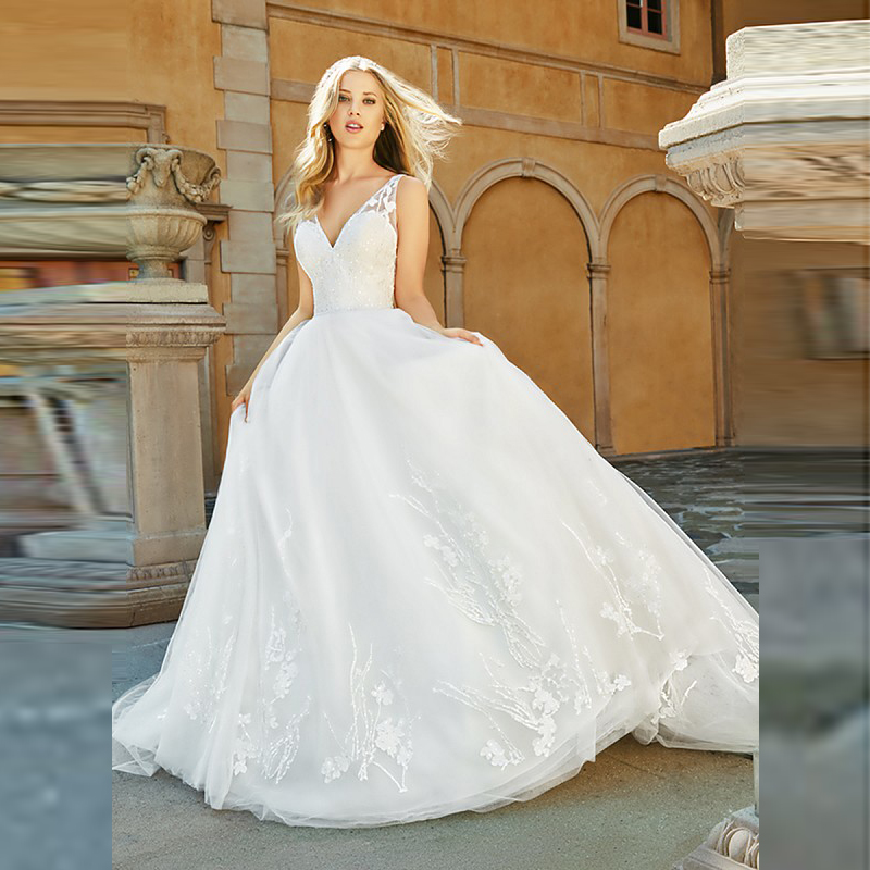 New Arrival Graceful A Line Lace Applique Bride Wedding Dresses Backless Sleeveless Bridal Gowns Deep V Neckline Court Train