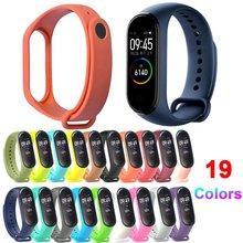 купить Bracelet for Xiaomi Mi Band 3 4 Sport Strap watch Silicone wrist strap For xiaomi mi band 3 4 bracelet Miband 4 3 Strap дешево