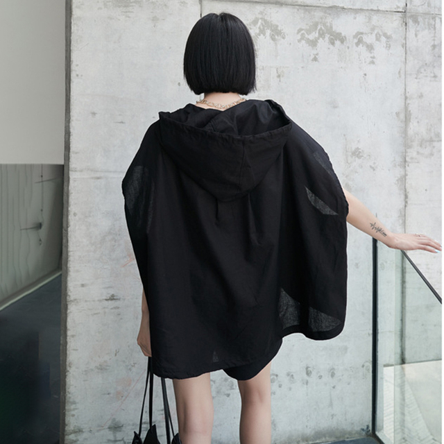 [EAM] Wide Leg Shorts Oversized Two Piece Suit New Hooded Sleeveless Black Loose Fit Women Fashion Spring Summer 2021 1DE0282 5
