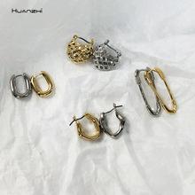 HUANZHI 2020 minimalistyczny Mini Hoop kolczyki nieregularne teksturowane geometryczne kolczyki w kształcie litery U dla kobiet agrafka kolczyki biżuteria tanie tanio Ze stopu cynku Kobiety 2cmx2cm Biuro kariera Metal Moda