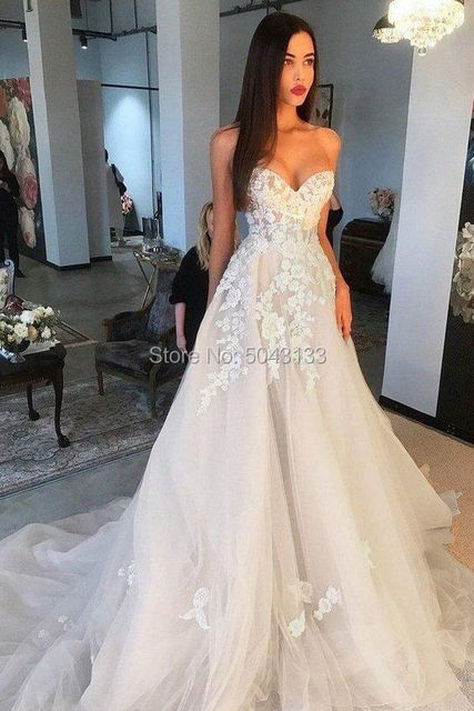 Off Shoulder Champagne Wedding Dresses 3D Ivory Appliques A Line Sweetheart Lace Corset Back Brides Married Gowns 2021 Formal 4