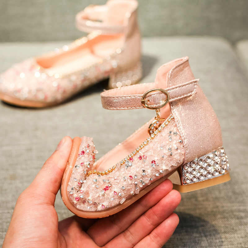 女の子メアリージェーングリッター靴ローヒール王女シャイニングウェディングパーティードレスポンプの靴裸足靴夏サンダル