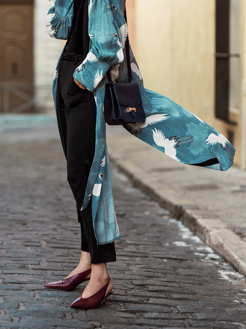 dress-kimono-inspired-robe-aria-di-bari--kitten-heels-burgundy-heron-printed-kimono-new-collection-summer-outfit-mango-messenger-bag
