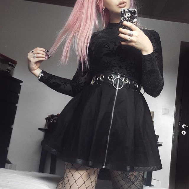 Gothic Skirt in black with ring zipper