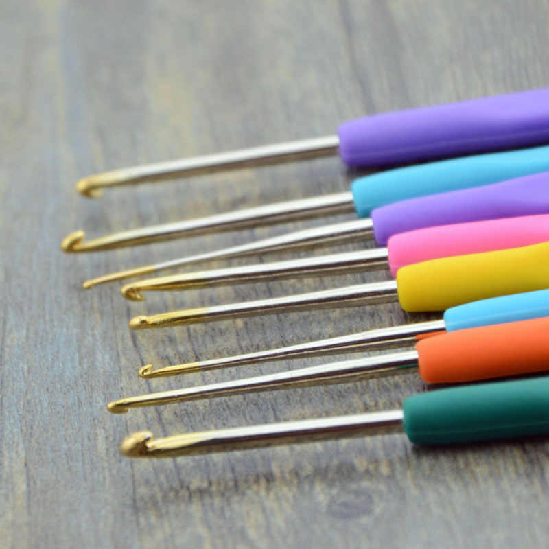 1 adet küçük dantel tığ işi kanca seti Mix 0.5-2.8mm TPR yumuşak kauçuk saplı örme İğneler dikiş kolu örgü ipliği dikiş araçları
