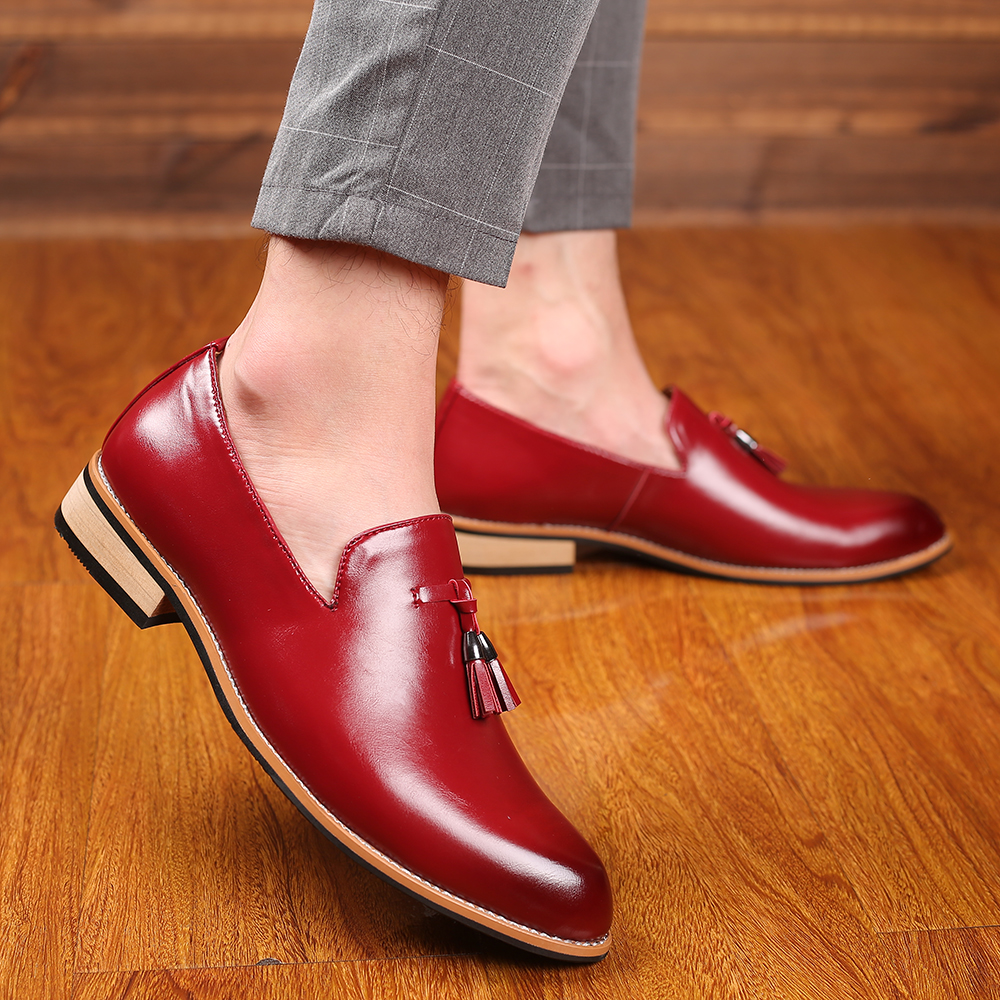 Autumn Tassel Mens Loafers Casual Leather Shoes Business Brogue Men Dress Shoes Driving Flats Breathable Wedding Shoes Big Size