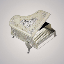 Piano relief music box metal spring music box birthday Christmas gift кровати box spring