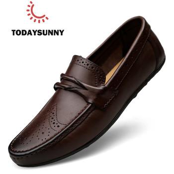 Męskie mokasyny prawdziwej skóry trampki męskie moda rzeźbione łódź obuwie miękka sukienka Party buty mężczyźni Chaussure Homme tanie i dobre opinie todaysunny Skóra bydlęca RUBBER 8556 Slip-on Pasuje prawda na wymiar weź swój normalny rozmiar Stałe Dla dorosłych