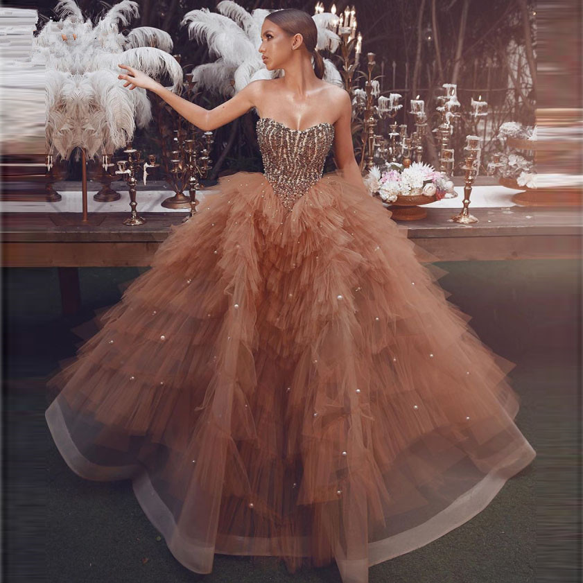 Amazing Beaded Champagne Ball Gown Prom Dresses 2020 Unique Tiered Tulle Pearls Heart Arabic Evening Dress Gown Vestidos De Gala