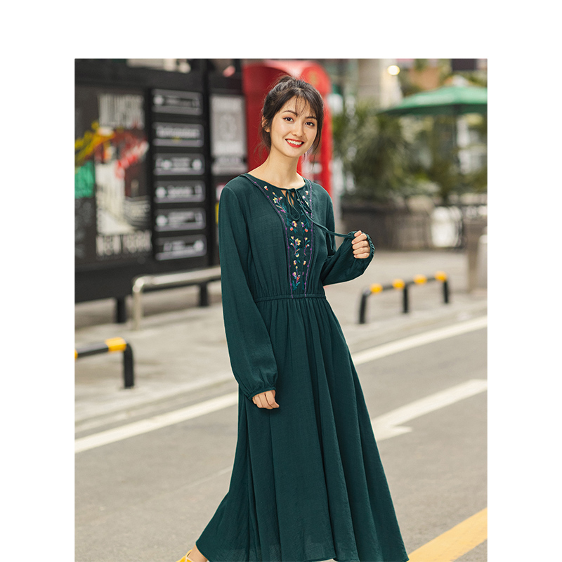 INMAN Spring Autumn Lacing O-neck Embroidery Elastic Waist Viscose Blending Solid Women Dress