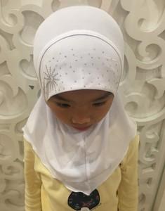 Image 2 - 2 7 歳の少女クリスタル麻女の子ヘッドスカーフイスラム教徒 Hijabs キャップ美しいダイヤモンドひまわりインスタント Hijabs 女の子