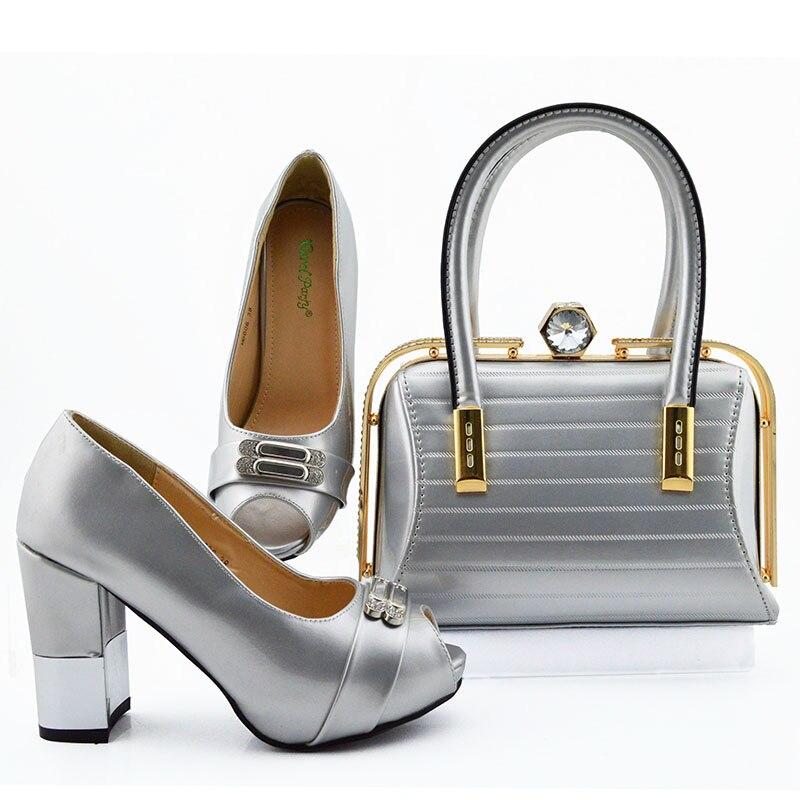 Haute qualité été nouveau Design argent chaussures assorties et sac ensemble en talons chaussures assorties et ensemble de sacs pour la fête royale italienne