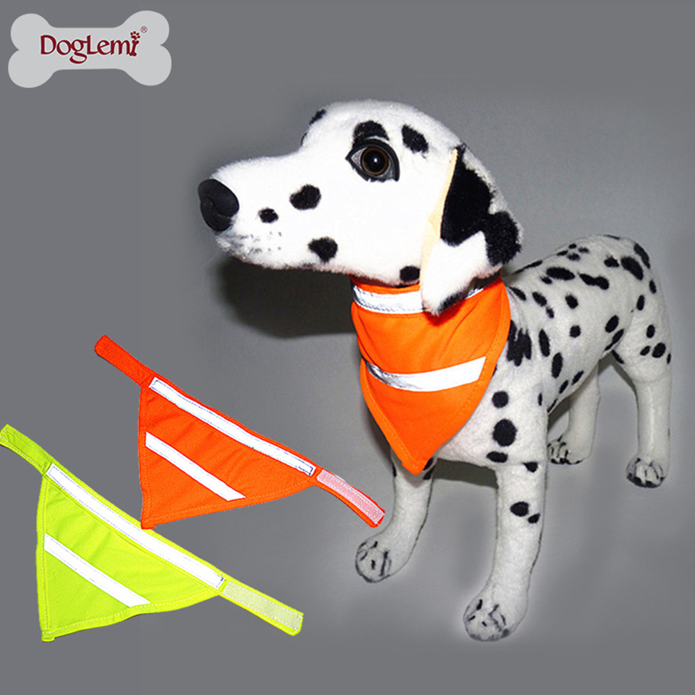 Hot Sales Pet Decorations Reflective Fluorescent Dog Triangular Binder Fashion Breathable Dog Bibs Dog In-ground Fence Receiver