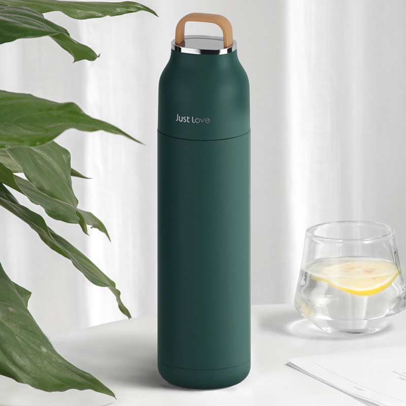 Thermos-Water-Bottle-3