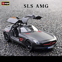 цена на Maisto 1:18 Scale Alloy Racing Car Diecast Model Car Mercedes Benz AMG SLS Sports Car Metal Toy Car For kids toy Gift Collectio
