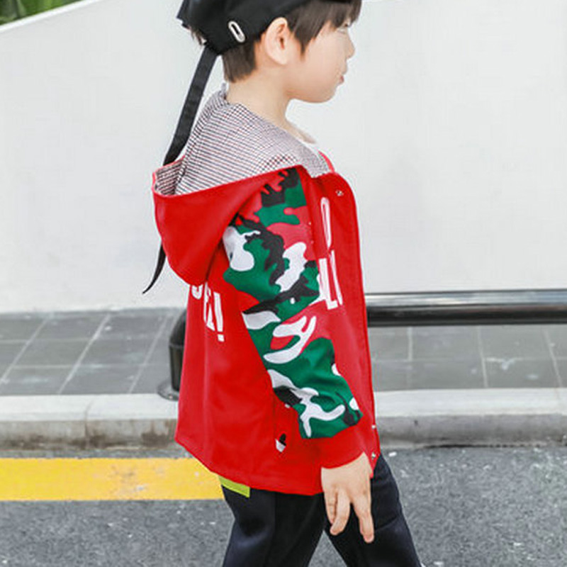 New Spring Autumn Girls Windbreaker Coat Baby Kids Letter and Camouflage Printing Hooded Outwear Baby Kids Coats Jacket Clothing in Jackets Coats from Mother Kids