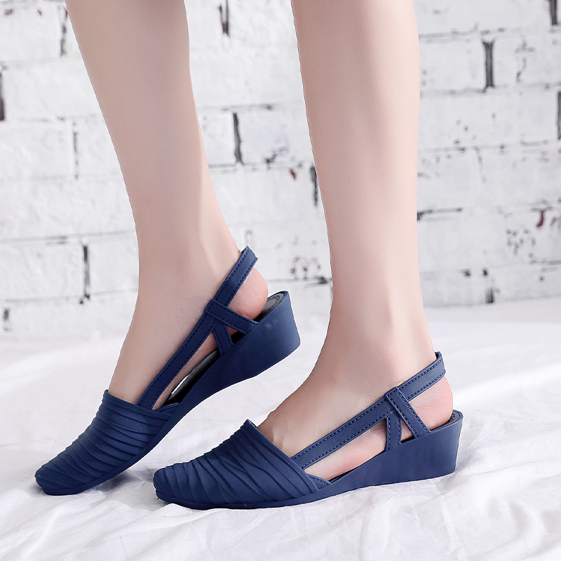 Woman Wedges Sandals 2021 Women Slip-on Jelly Shoes Ladies Casual Pumps Female Summer Beach Slippers Women's Casual Footwear 2