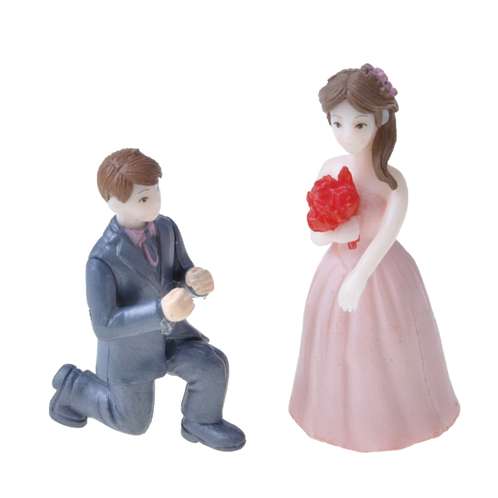 Resin Mini Propose Marriage Lover Figurines Wedding Doll Miniatures Couple Models For Garden Decoration