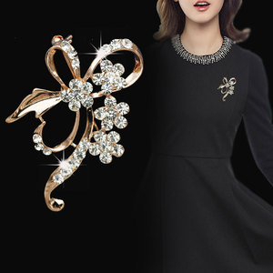 Bow Brooch Rhinestone Flower Brooches for Women Large Bowknot Brooch Pin Simple Fashion Jewelry Wedding Pin Corsage Accessories
