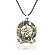 Anime jojo bizarre aventure Cosplay collier Kujo Jotaro Dio Brando métal bijoux accessoires