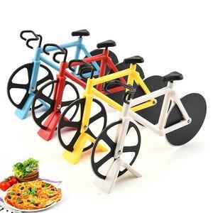 Bicicleta pizza cutter facas antiaderente de duas rodas forma de bicicleta pizza faca de corte com suporte de aço inoxidável pizza ferramenta de cozinha