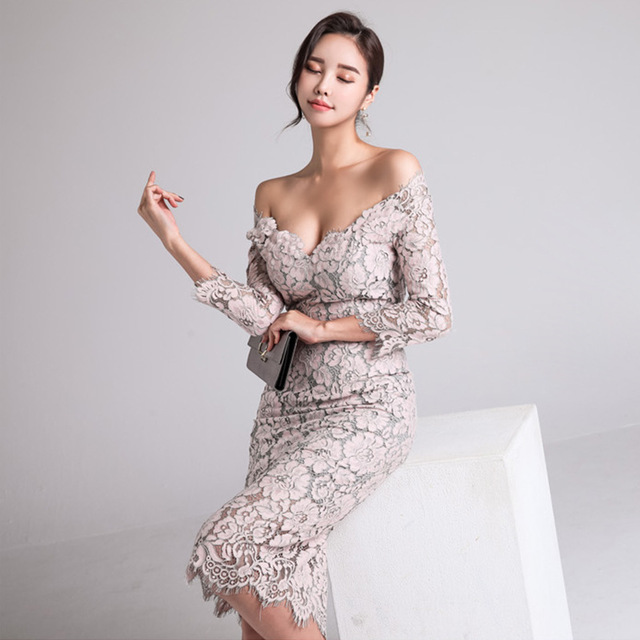 Fashion New arrived Women's Dress Fall 2019 New One-neck Low-breast Lace Seven-minute Sleeve-wrapped Hip Dress