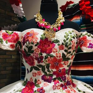 Image 2 - Floral Satin vestidos de 15 años 2019 Puffy Embroidery Quinceanera Dress Off the Shoulder Sweet 15 Dress Long Prom Gowns