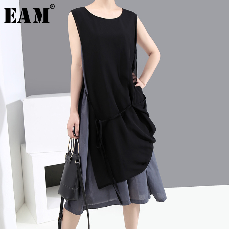 [EAM] Women Gray Irregular Split Joint Midi Dress New Round Neck Sleeveless Loose Fit Fashion Tide Spring Summer 2020 1X128