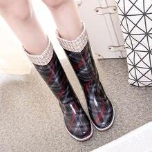 Сапоги до середины голени для дождливой погоды; Для женщин водонепроницаемая обувь 2021 новая одежда для девочек, с защитой от дождя; Туфли на ...