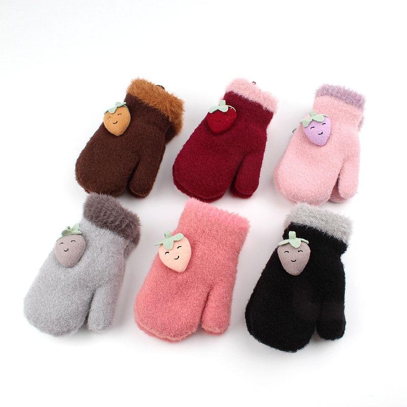 Unisex Winter Kids Gloves Warm Cute Strawberry Children's Knitted Gloves In Autumn And Winter Thicken Mittens Girls Boys Riding