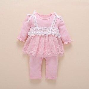 Image 3 - Yenidoğan bebek kız giysileri sonbahar pamuk dantel prenses tarzı bebek tulum 0 3 ay bebek çorap ile Romper kafa bandı ropa bebe