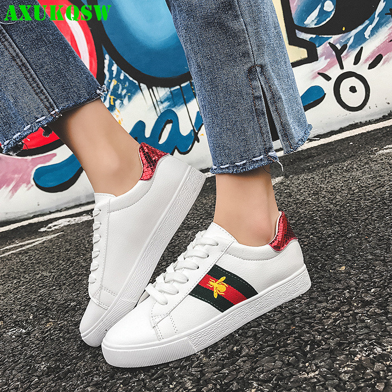 2020 Autumn Fashion White Lace Up Casual Shoes Girl Sneakers Brand Shoe All-match Bee Embroidered Breathable Running Shoes 36-40