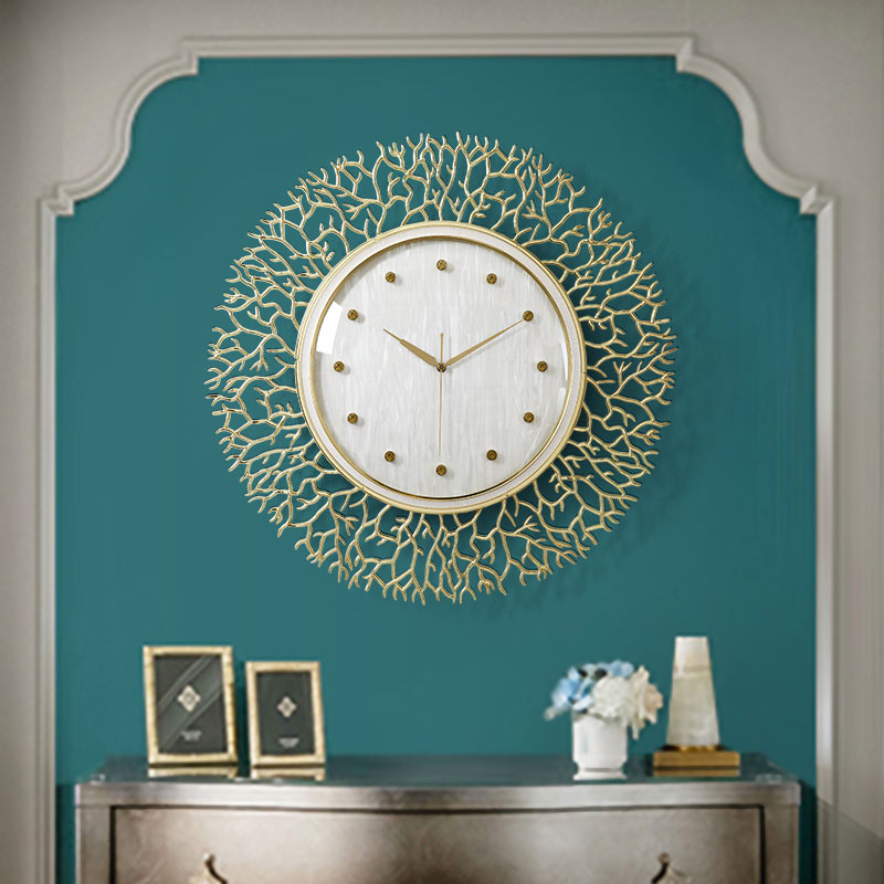 European Luxury Wrought Iron Wall Clock Wall Hanging Ornaments Home Livingroom Wall Mural Decoration Hotel Wall Sticker Crafts