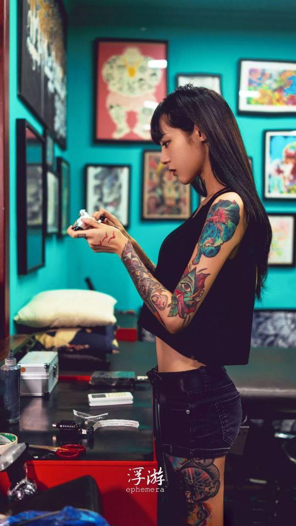 H43df0fbd467b4d359782896c6c902f222 - 纹身妹子高清手机壁纸(一)