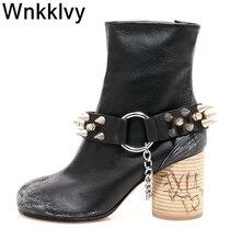 Spike nity metalowe gruby obcas botki kobiety srebrna farba w sprayu podzielone buty z palcami pas zapięty łańcuch wystrój krótkie buty