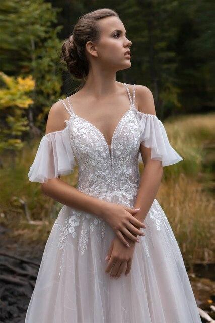2021 Luxury Off the Shoulder Wedding Dresses V-neck Beading Straps 3D Flowers Appliques Open Back Bridal Gowns Robe de Mariee 4