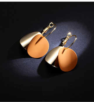 QTWINDY Fashion Statement Earrings Gold Round Circle Geometric Earrings for Women Punk Metal Earring Trendy Jewelry Elegant - DISCOUNT ITEM  45% OFF All Category