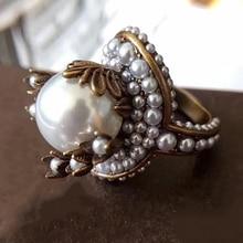 Hot Brand Fashion Parel Sieraden Voor Vrouwen Vintage Ringen Grote Parel Bloem Vintage Partij Ringen Geel Messing Sieraden Kleurrijke Stone